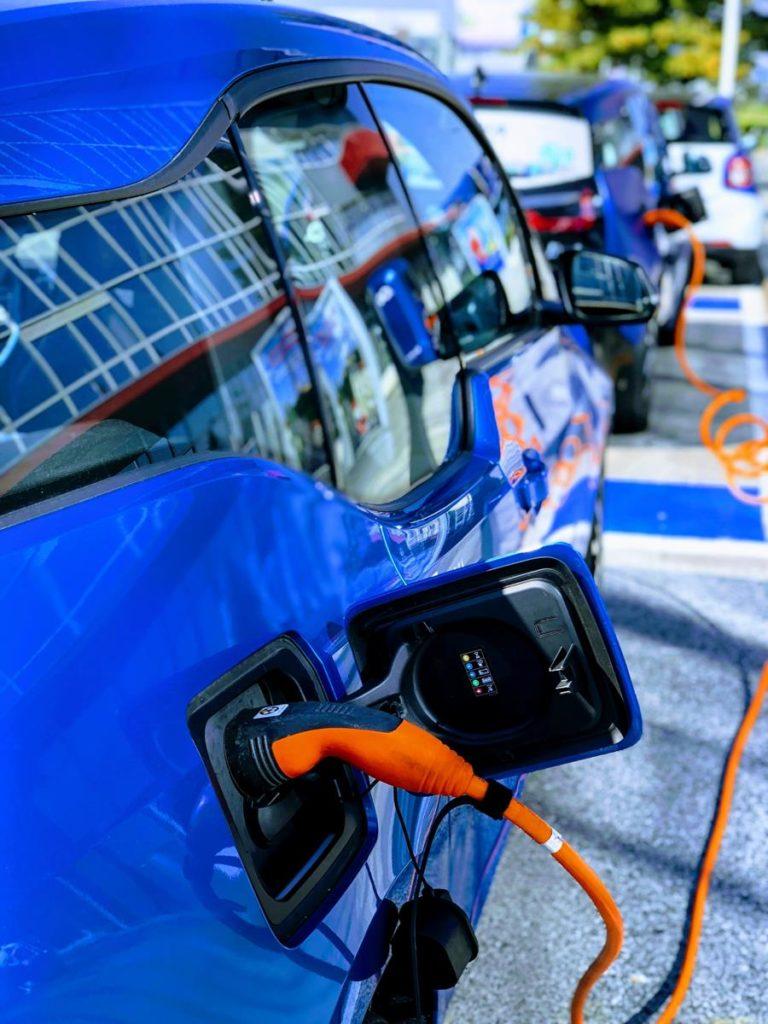 Własna stacja ładowania auta elektrycznego